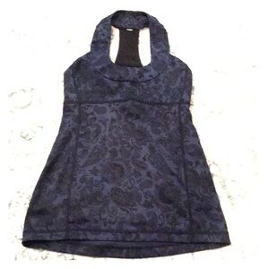 Beautiful Paisley Navy &Black Lululemon Top Size 6